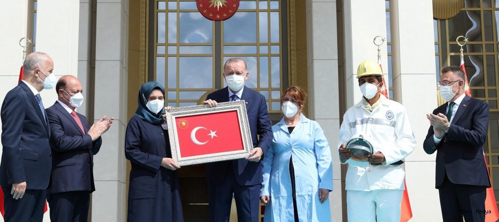 """Erdoğan: """"Türkiye büyüdükçe, zenginleştikçe her bir vatandaşımızın da refah seviyesi artacaktır"""""""